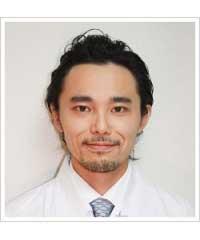 矯正担当医の顔写真