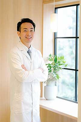 歯科医師前田の顔写真