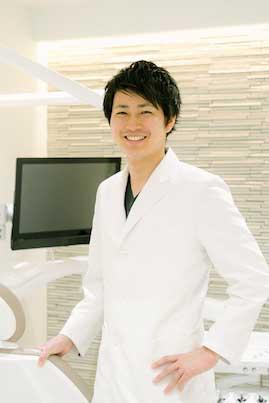 歯科医師庄司の顔写真