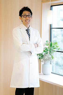 歯科医師安藤の顔写真